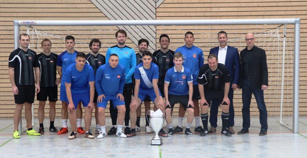 BKWI 1 gewinnt den Fußball Sparkassen-Cup der KSH