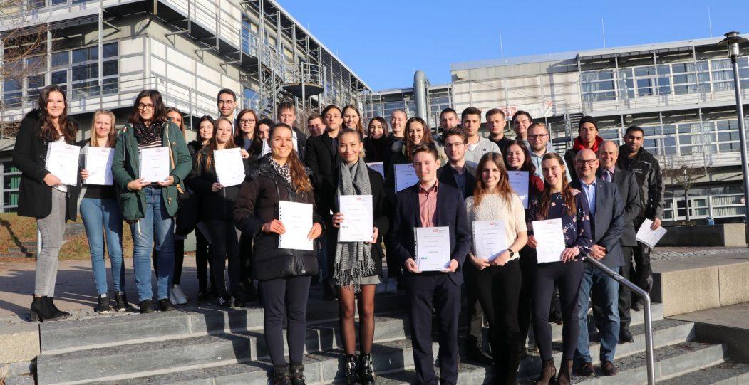 Erfolgreiche Abschlussprüfung an der Kaufmännischen Berufsschule